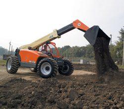JLG G6-23A dumping dirt
