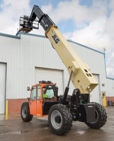 JLG G6-42A lift up