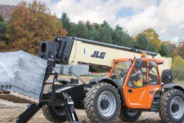 JLG 1255 moving materials